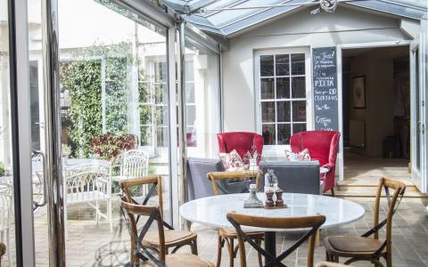 The conservatory at The Grosvenor Arms, Shaftesbury