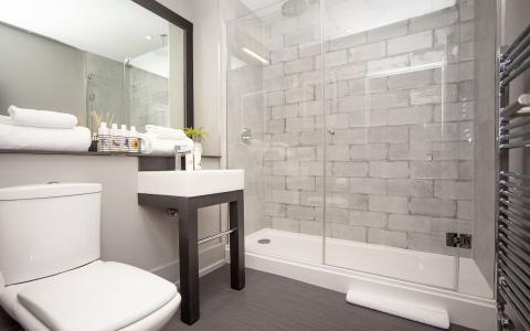 Premium room 12 bathroom